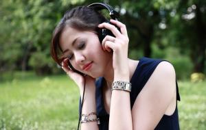 fone-de-ouvido-perda-auditiva-otorrinos-curitiba